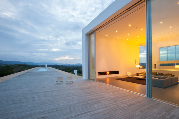 150m Weekend House by Shinichi Ogawa & Associates