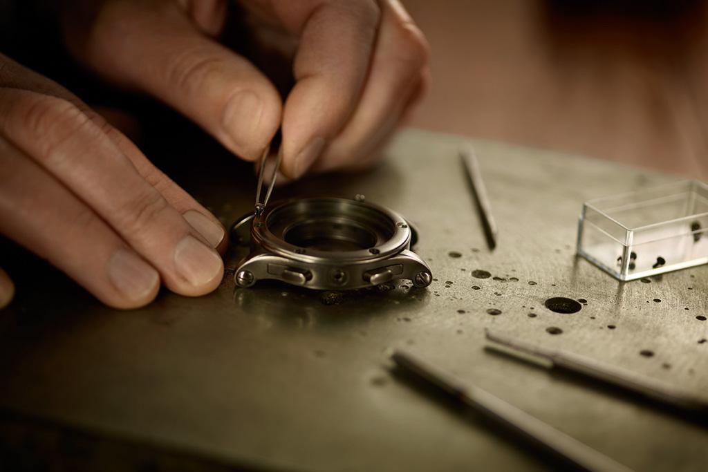 a closer look at crafting the ralph lauren rl67 safaris gunmetal case