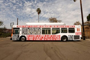 "Barbara Kruger's Iconic Styles Covers Los Angeles Buses for ""Arts Matter"""