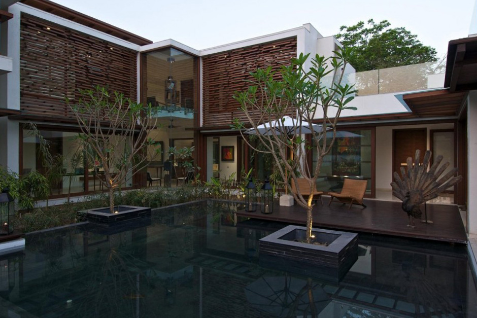 Courtyard House by Hiren Patel Architects