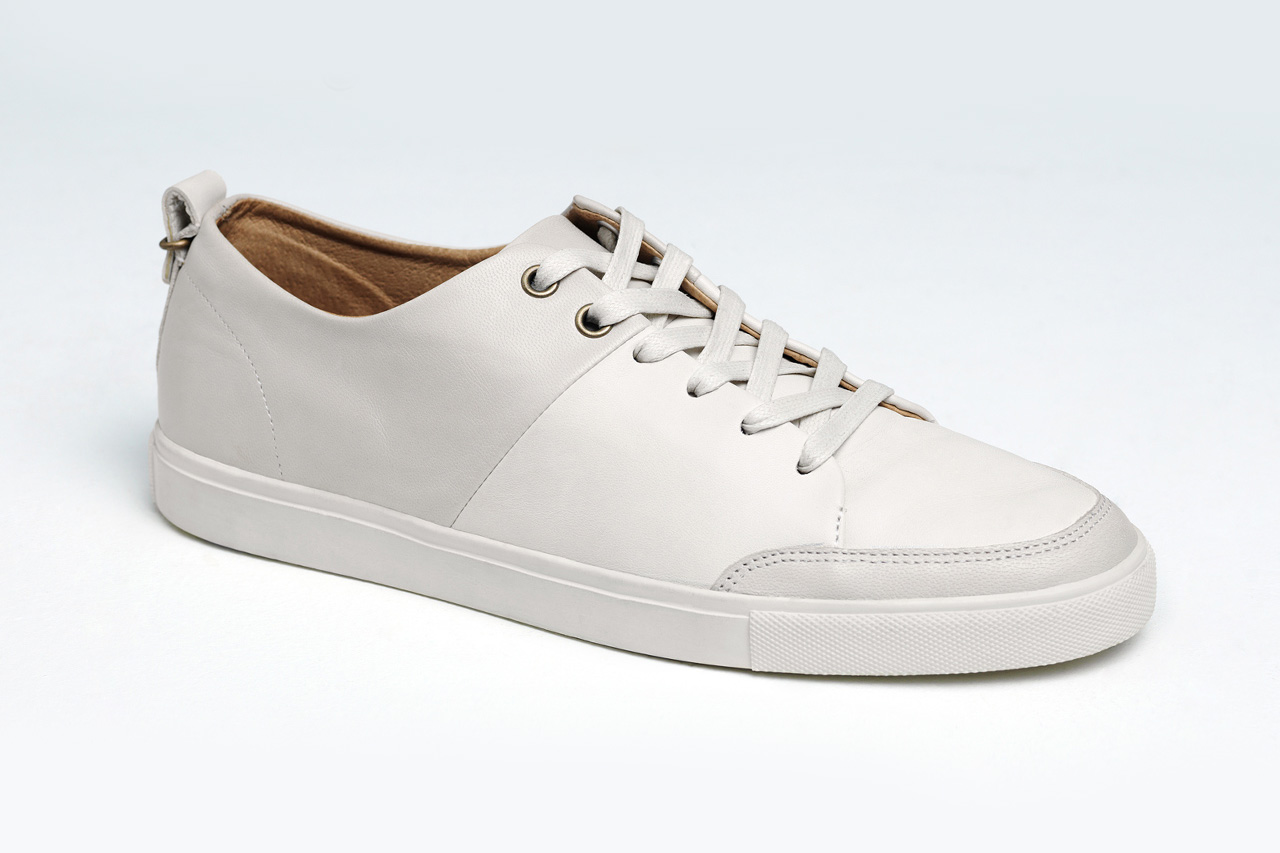 """Haerfest Continues Their """"Alpha Experiment"""" with These Minimalist Leather Sneakers"""