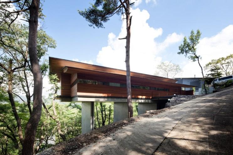 House In Asamayama by Kidosaki Architects Studio