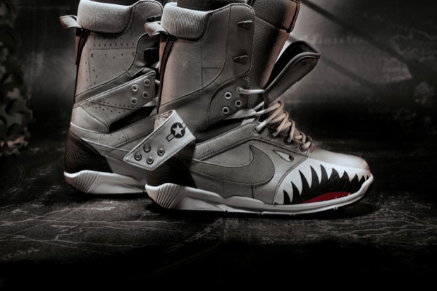 http://hypebeast.com/2012/10/nike-snowboarding-zoom-danny-kass-qs-double-tongue-boot