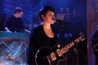 The xx - Chained (Live on Fallon)