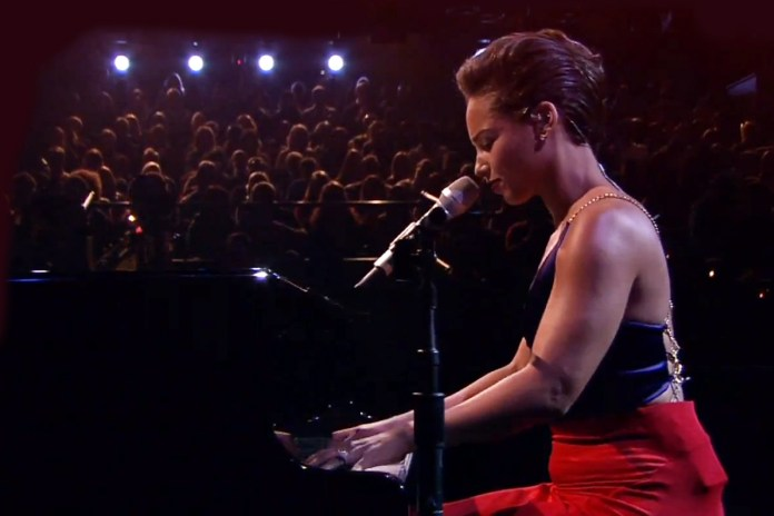 Alicia Keys Performs 'Adventures of the Gummi Bears' Theme Song Live on Fallon