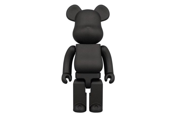 Amirex x Medicom Toy 400% Dry Carbon Fiber Bearbrick