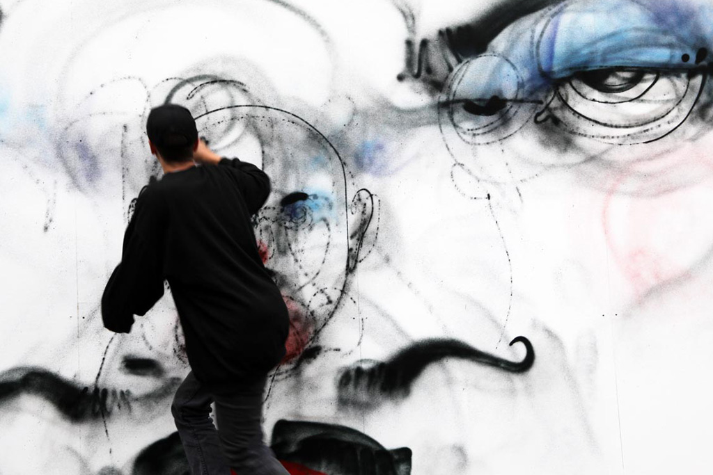 """Anthony Lister """"Unslung Heroes"""" Mural @ London"""