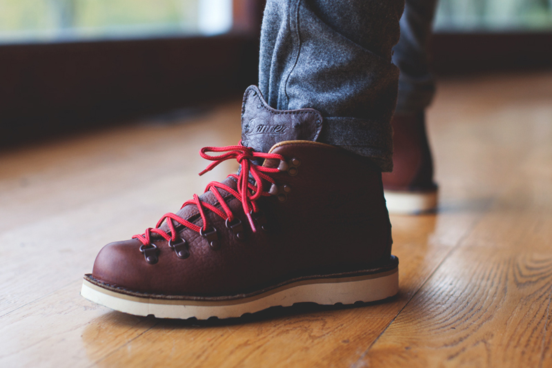 boylston trading co x danner mountain light ii back bay boots