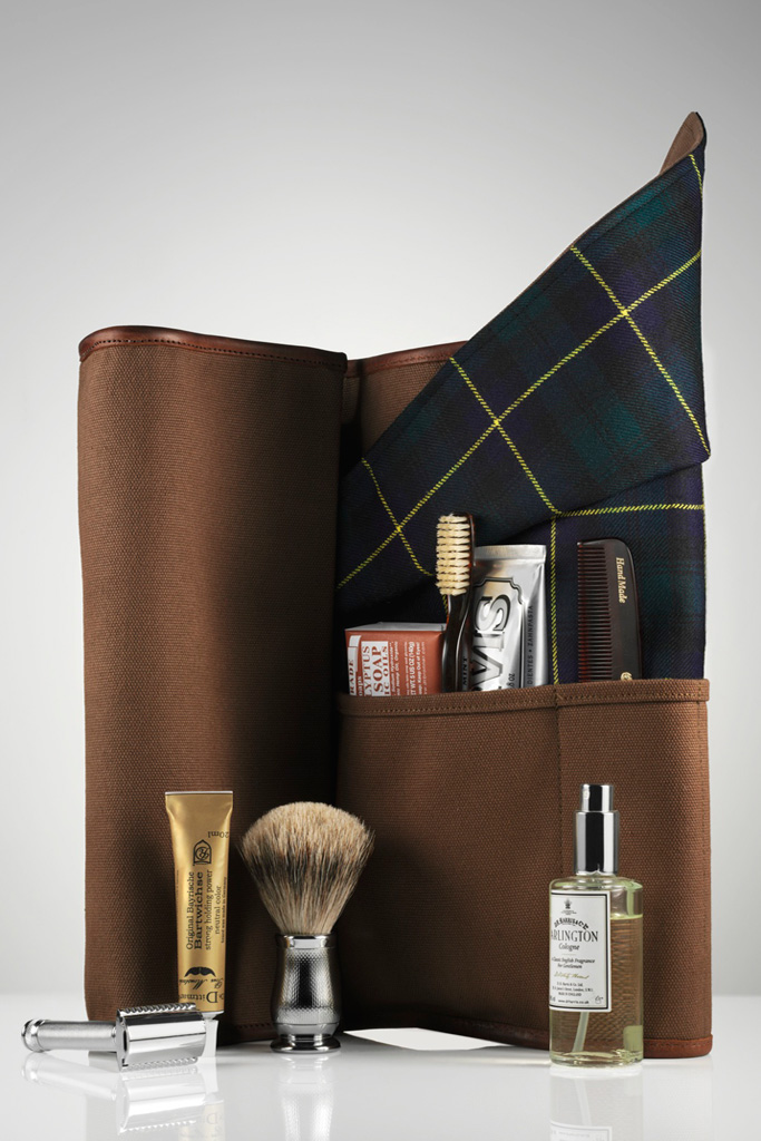 dewars x freemans sporting club travel roll