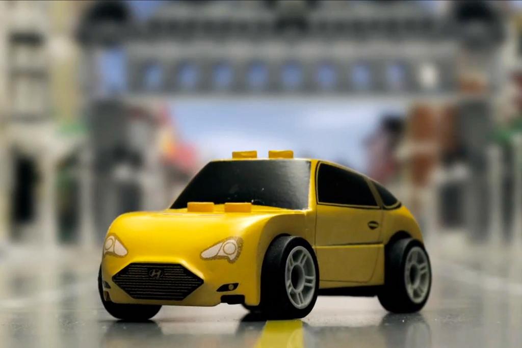 Hyundai Races its LEGO Veloster Turbo