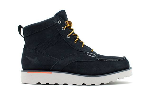 Nike Kingman Leather Boot