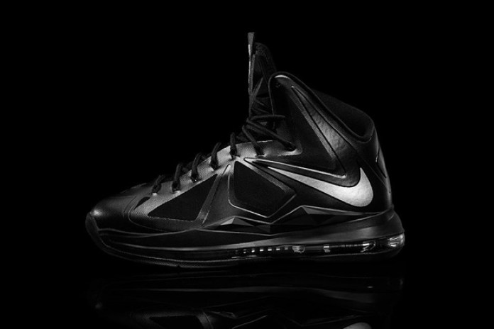 "Nike LeBron X ""Carbon"""