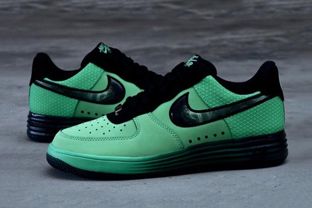 "Nike Lunar Force 1 ""Hero"" Pack"