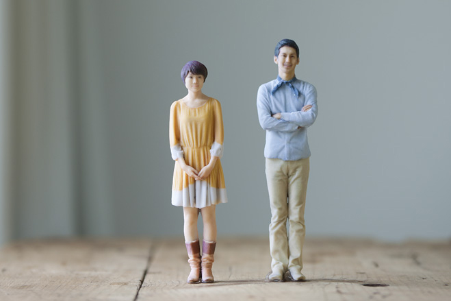 omote 3d photo booth creates life like miniature replicas