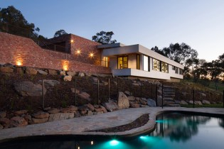 Splitters Creek House by Nest Architects