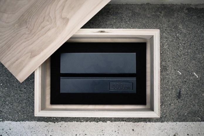 The Distinct Life x 400+oz Tablet Stand