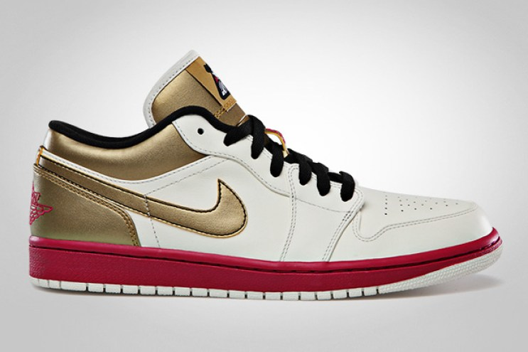 Air Jordan 1 Low Sail/Sport Fuschia - Metallic Gold - Black