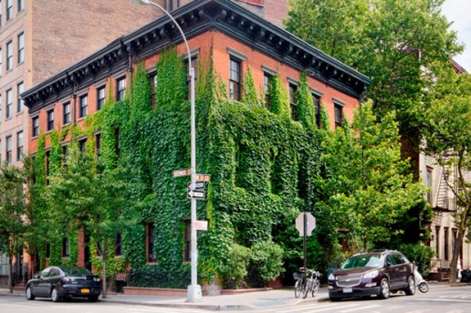 Famed Photographer Annie Leibovitz Lists Her $33 Million Home in the West Village