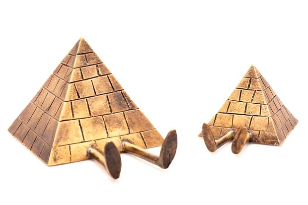 "Kevin Lyons x Case Studyo ""True & Lulu - The Pyramids"" Sculptures"