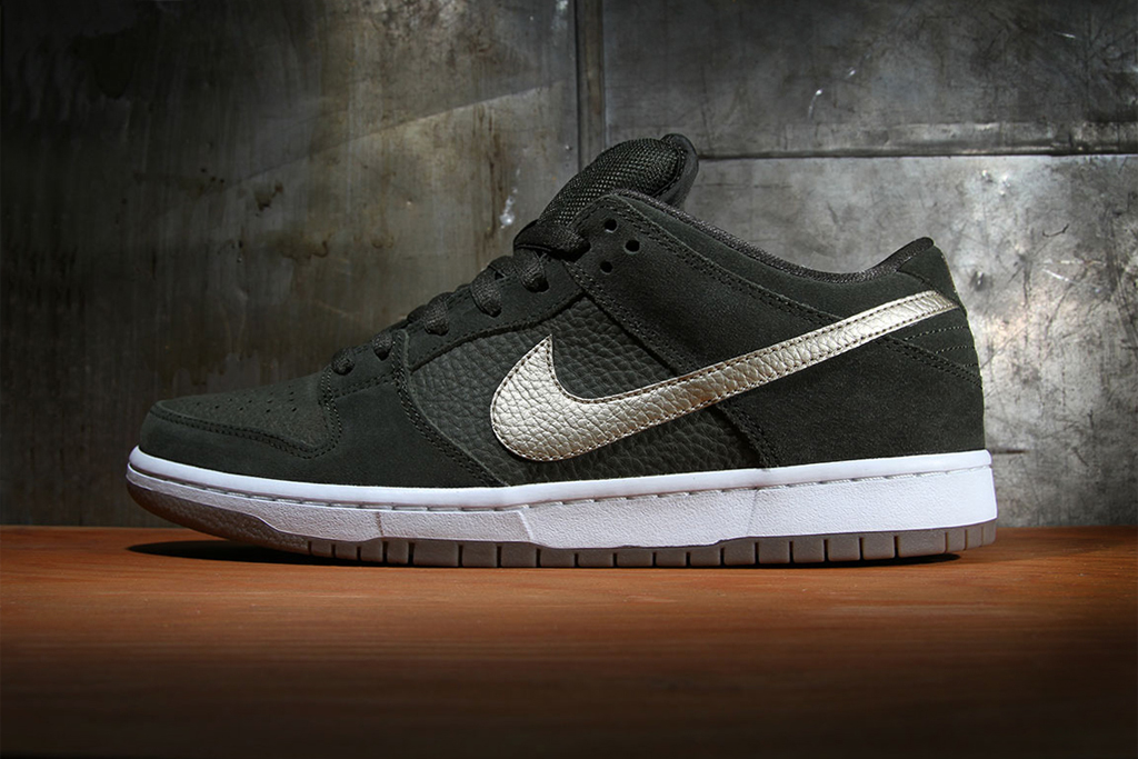 nike sb dunk low pro sequoia metallic zinc