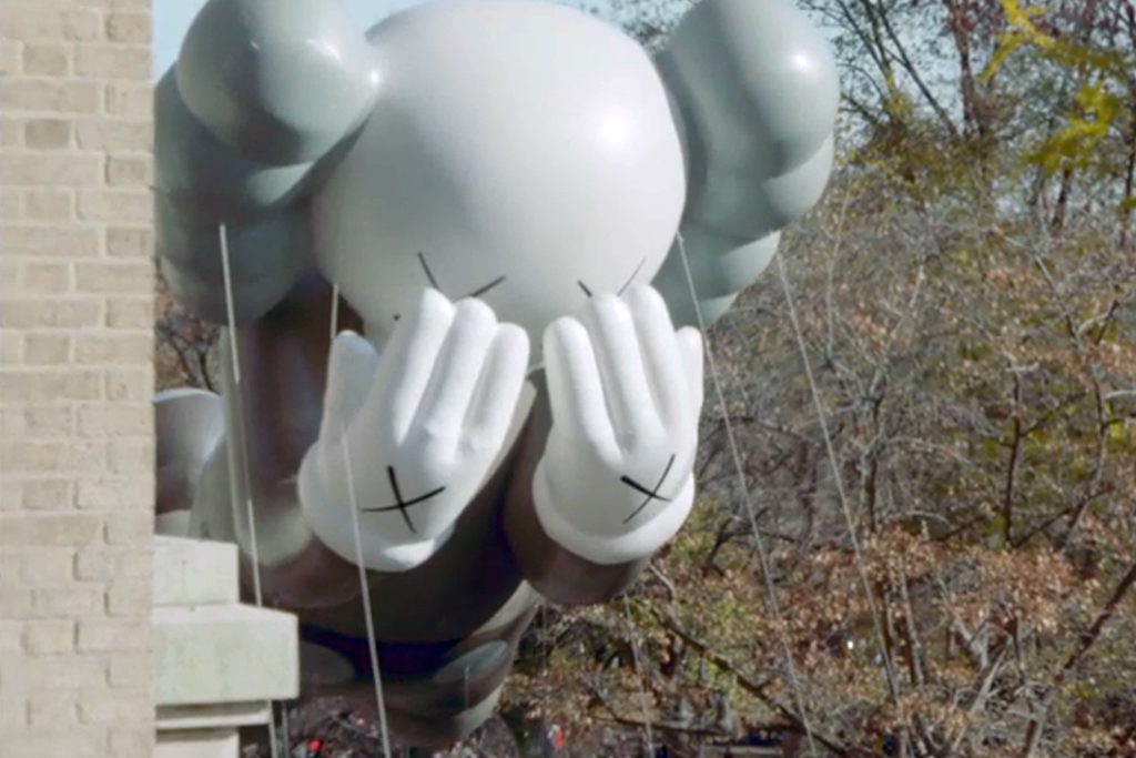 NOWNESS: KAWS Companion at the Macy's Thanksgiving Day Parade