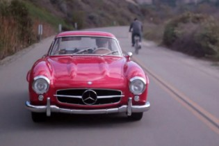 "Running ""Holiday Errands"" with a Mercedes-Benz 300SL Gullwing"