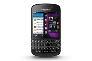 BlackBerry Q10 Smartphone