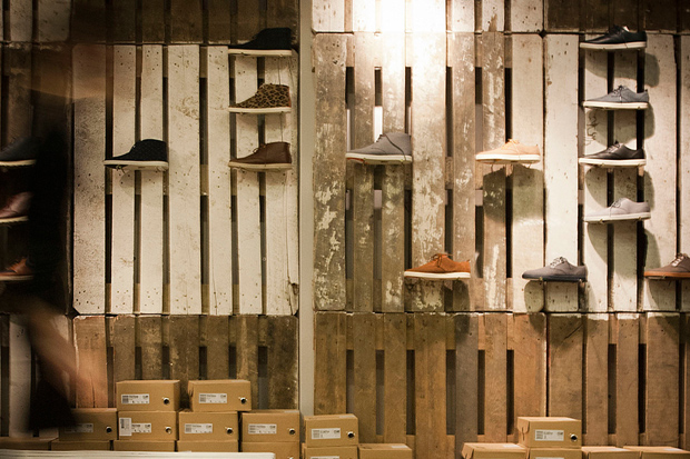 clae pop up store by modelina