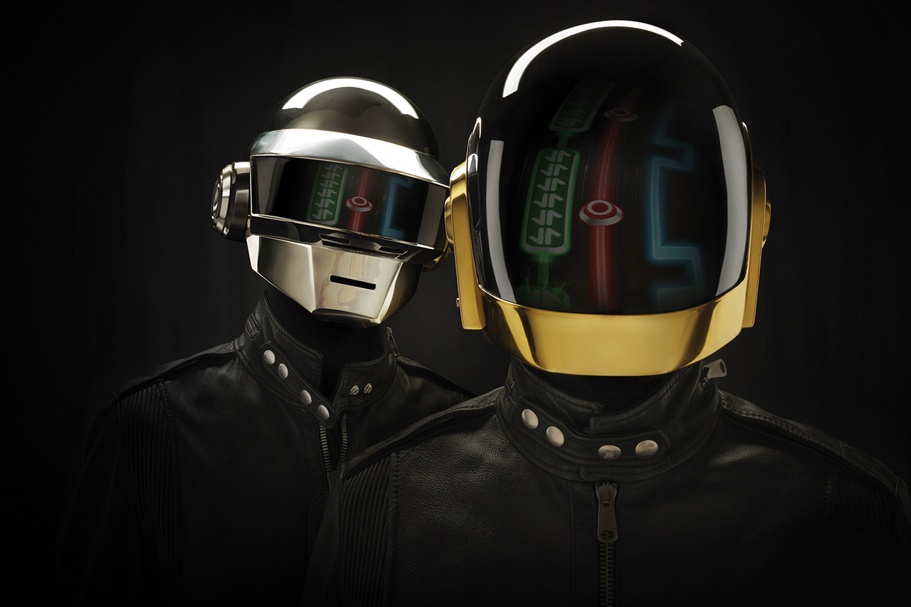 Daft Punk Signs to Columbia, Plans to Release New Album This Spring