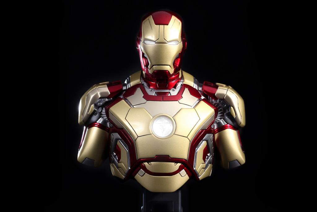 hot toys iron man 3 mark xlii collectible bust