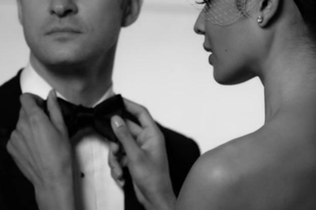 Justin Timberlake featuring Jay-Z – Suit & Tie (Lyric Video)