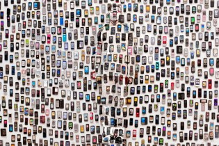 "Liu Bolin ""Hiding in the City"" Exhibition @ Galerie Paris-Beijing"