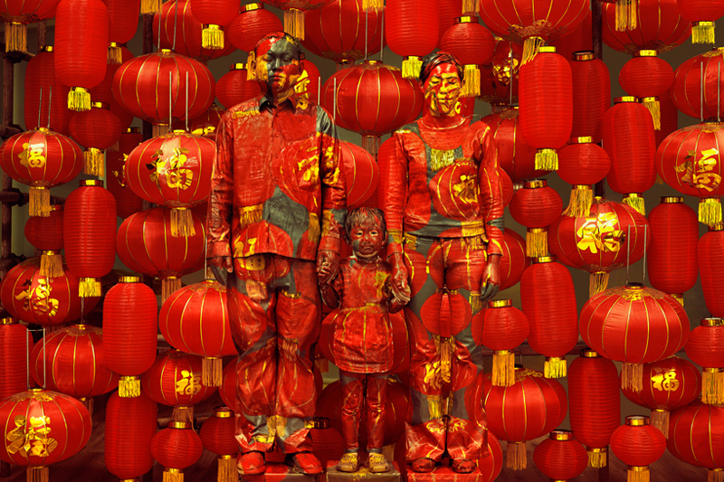 liu bolin hiding in the city exhibition galerie paris beijing