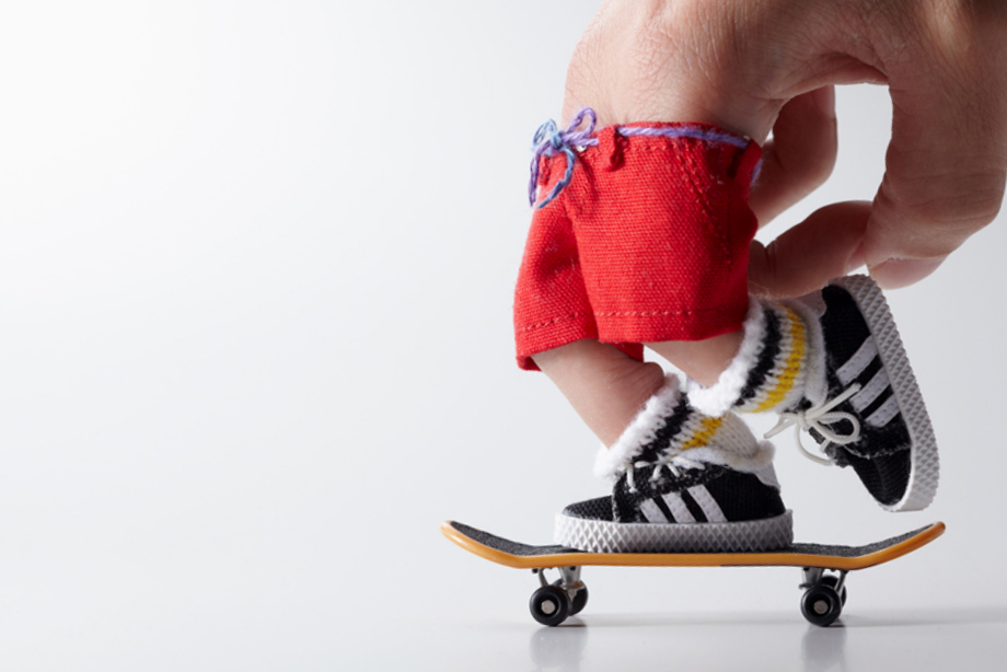 """master-piece """"Little SK8ers"""" Novelty Finger Skateboards"""
