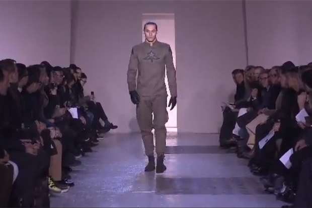 "Mugler 2013 Fall/Winter Runway Show featuring G-Dragon's ""I Am Mugler"""