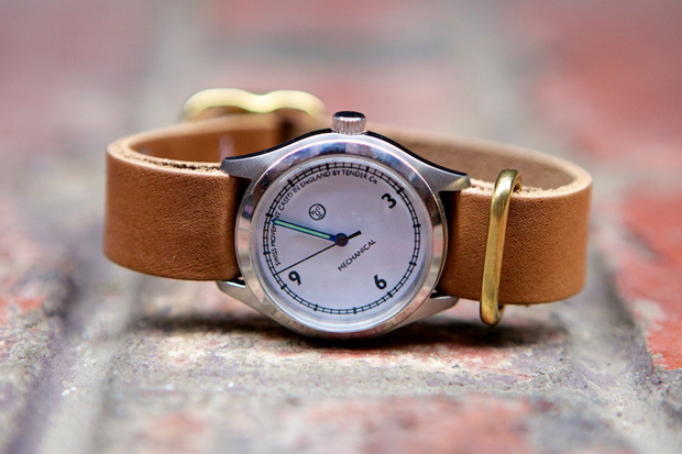 tender co hands on mechanical watch