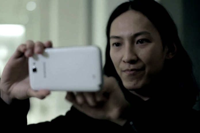 Alexander Wang Takes the Samsung Galaxy Note II Out for a Day