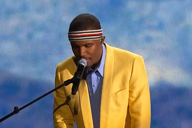 Frank Ocean – Forrest Gump Grammy Performance