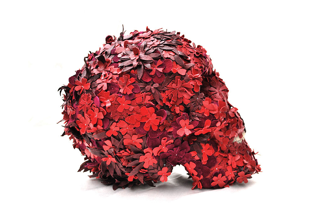 jacky tsai floral skullptures made from leather