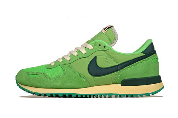nike air vortex vntg poison green