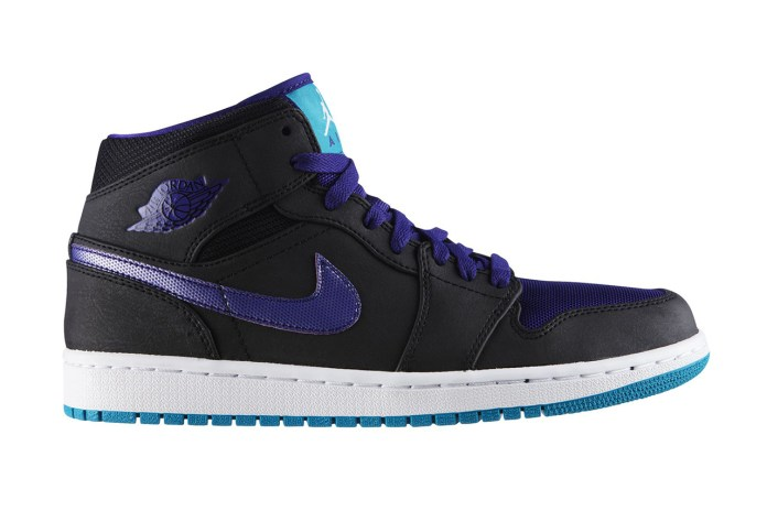 "Air Jordan 1 Mid ""Black Grape"""