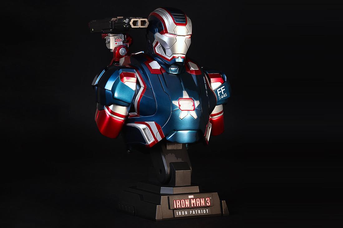 "Hot Toys Iron Man 3 ""Iron Patriot"" Collectible Bust"