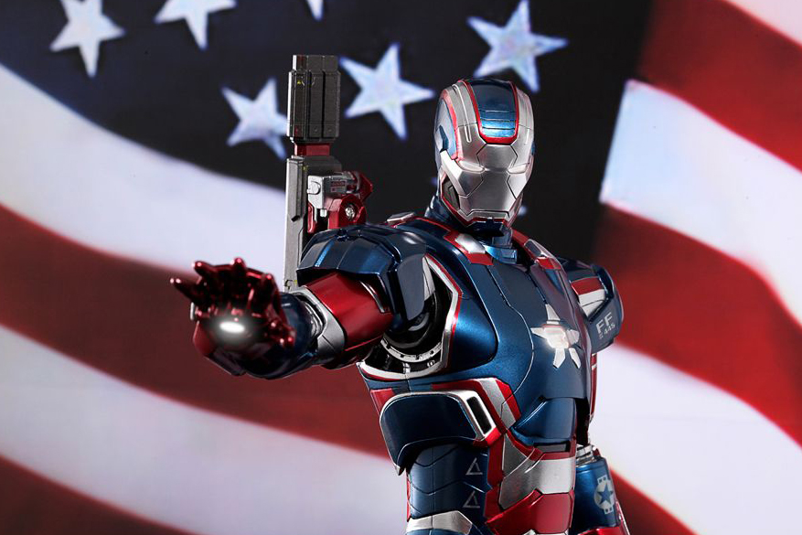 """Hot Toys Iron Man 3 """"Iron Patriot"""" Limited Edition Collectible Figure"""