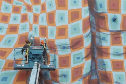 MOCAtv: Os Gemeos - Art in the Streets