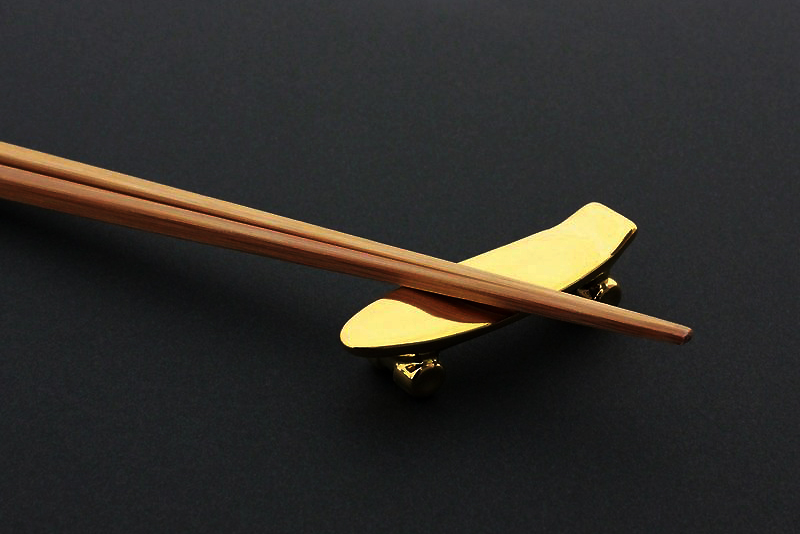 Talky Pika Pika Skateboard Chopstick Rest