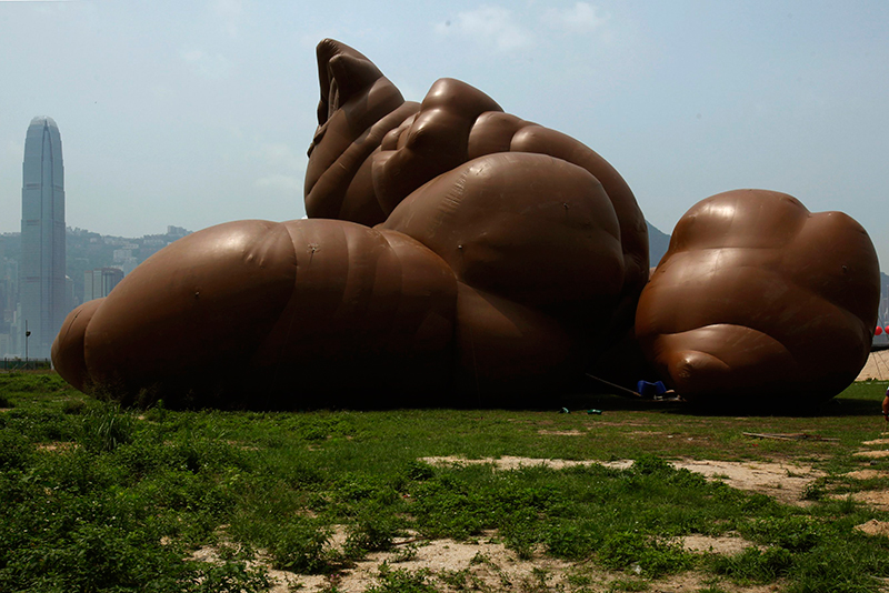 check out paul mccarthys pile of feces and other unique inflatable sculptures video