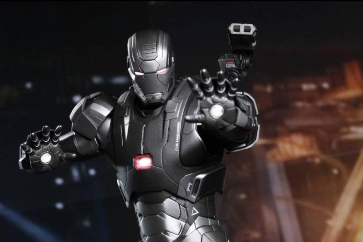 Hot Toys 'Iron Man 3' 1/6 War Machine Mark II Collectible Figure