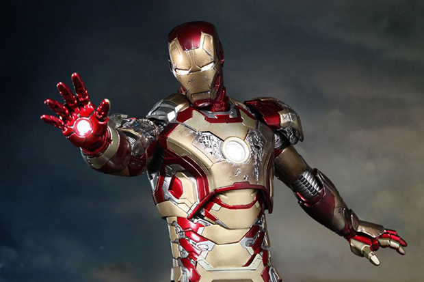 Hot Toys Iron Man 3 Mark XLII Limited Edition Collectible Figure