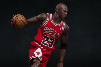 "Michael Jordan 1/6 Scale ""#23 Away"" Figurine by ENTERBAY"