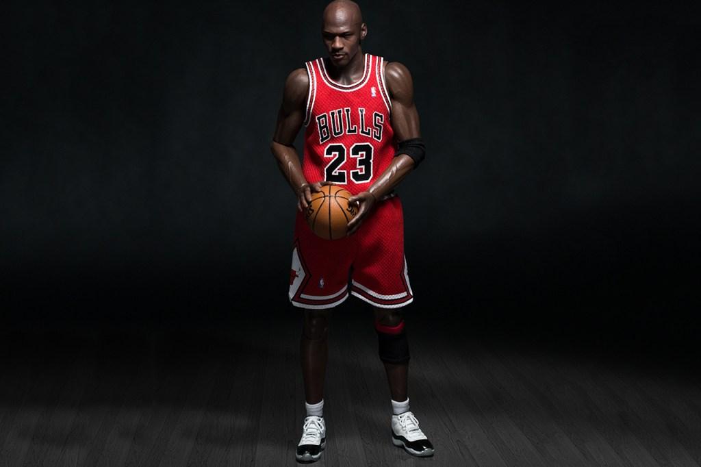 "Michael Jordan 1/6 Scale ""#23 Away"" Figurine by ENTERBAY"